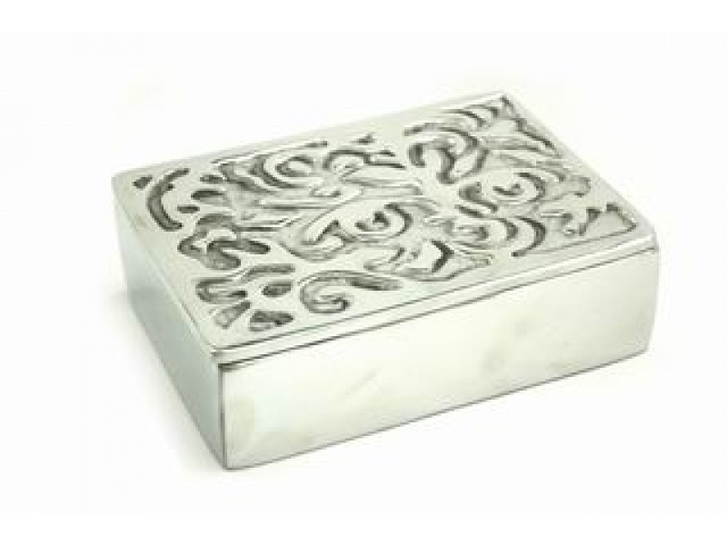 large engraved cajita jewelry box