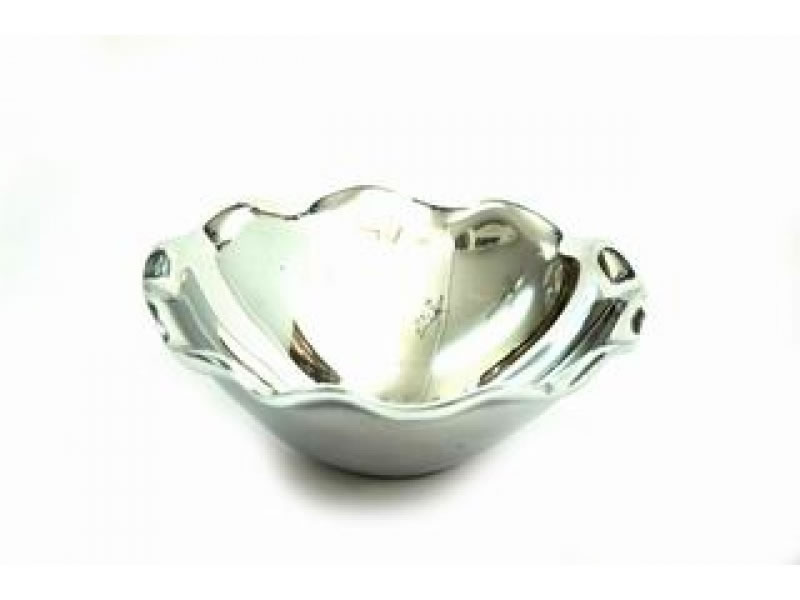 small smooth ostra tureen